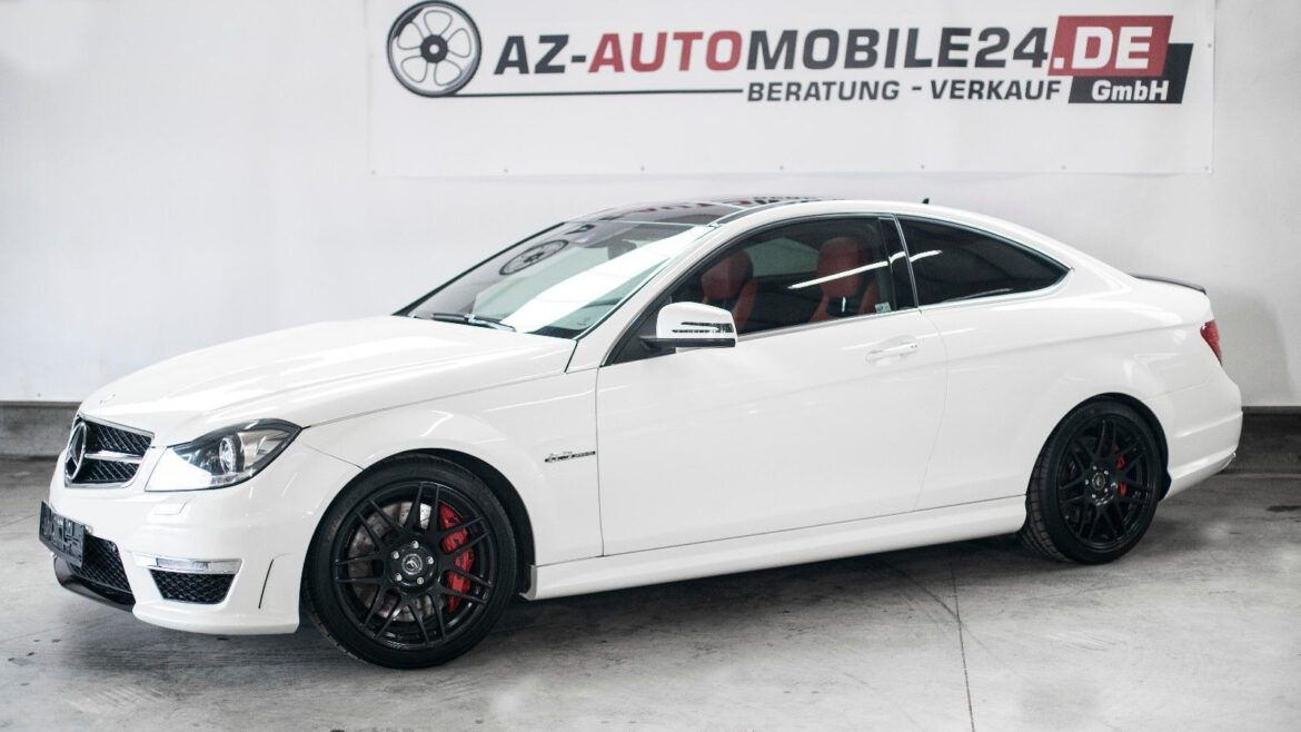 Mercedes-Benz C 63 AMG Coupe AMG SPEEDSHIFT MCT